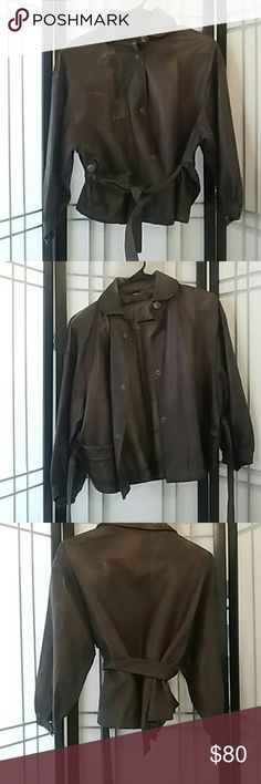 Ladies leather jacket High quality Italian leather jacket short in length soft extremely comfortable to wear in great shape. It will dress up any outfit! A must have in your closet!! Let's Make a Deal💕😄 blur Jackets & Coats Vests