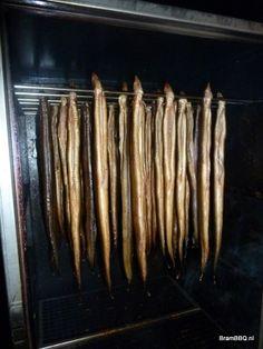Gerookte paling uit mijn eigen rookkast op de winterbbq 2012 in Annerveenschekanaal