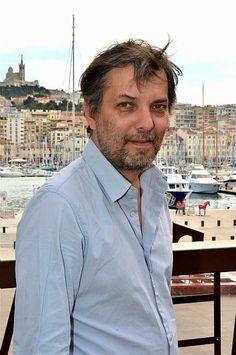 12 mars: quand le château de la Buzine reçoit un auteur/performeur en résidence, Avec Christophe Fiat, qui propose une intervention artistique