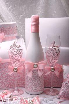 Wedding money box Set Pink HAND-Painted Wedding Bridal accessory set Wedding card box set Bridal set Wedding Accessories Set Pink Wedding – The Best Ideas Diy Bottle, Wine Bottle Crafts, Bottle Art, Glitter Wine Bottles, Glass Bottles, Money Box Wedding, Card Box Wedding, Wedding Set, Trendy Wedding