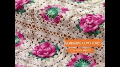 Marta Araújo – Manta Multiarte Primavera   Cantinho do Video Blanket, Crocheted Afghans, Door Hangings, Bedspreads, Blinds, Spring, Crocheting, Tejidos, Flowers