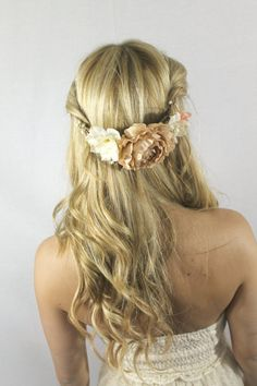 HELENA - Beige Peony Floral Headpiece, Champagne Wedding Accessories, Pip Berry Flower Crown