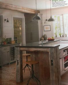 Who doesn't love repurposed wood?  Great color scheme