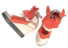 Corral me some coral and pair it with gold...love these wackadoo shoes!  kukka_avokas72 (1)