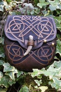 mid brown knotwork dual purpose sporran belt pouch with leaping hares. http://www.skyravenwolf.com/index.php