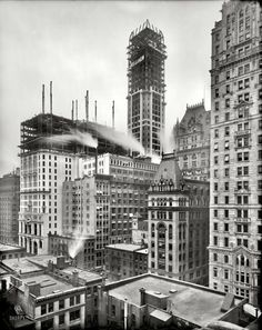 "New York circa 1907. ""Singer Building under construction."""
