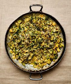 Orecchiette with broccoli and rocket (as pictured above). A take on a classic Puglian dish. Yotam Ottolenghi's broccoli recipes Yotam Ottolenghi, Ottolenghi Recipes, Fried Broccoli, Broccoli Dishes, Broccoli Salad, Baked Beans On Toast, Otto Lenghi, Meals, Noodles