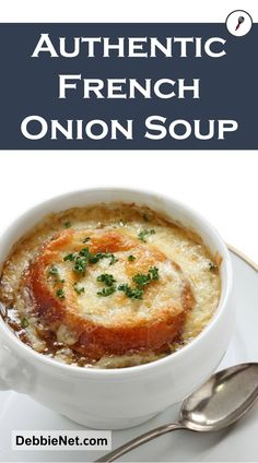 After much testing, this is definitely the BEST French Onion Soup recipe you'll find, and it's easy to make too! Learn how to make perfectly caramelized onions for the most flavorful French Onion Soup ever! Homemade French Onion Soup, Classic French Onion Soup, Homemade Soup, French Onion Soup Vegetarian, French Onion Soups, French Onion Soup Cheese, Onion Soup Recipes, Easy Soup Recipes, Crockpot French Onion Soup