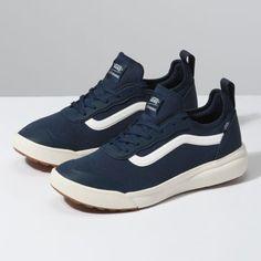 shoes for crews ambassador hotel Tenis Vans, Vans Sneakers, Old School Vans, Vans Old Skool, Bermuda Short, Best Toddler Shoes, Vans Store, Adidas Campus, Tie Shoes