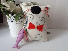 Pin Cushions, Pillows, Felt Pillow, Fabric Toys, Cat Crafts, Cat Design, Animals For Kids, Cat Toys, Softies