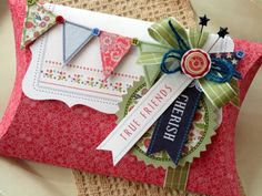 AudreyPettit LYB Vintage Summer True Friends Pillow Box4