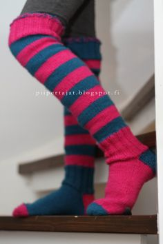 Ylipolvensukat - Me piipertäjät Socks, Fashion, Moda, Fashion Styles, Sock, Stockings, Fashion Illustrations, Ankle Socks, Hosiery