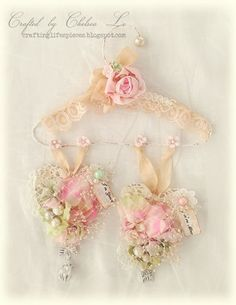 Crafting Life's Pieces: Happy Valentine's Day - Wire Hanger with Lace Hearts - filled with flowers and scented with oil - lovely shabby chic decor idea! Shabby Chic Mode, Shabby Chic Hearts, Estilo Shabby Chic, Shabby Chic Pink, Shabby Chic Bedrooms, Shabby Chic Cottage, Shabby Chic Style, Shabby Vintage, Vintage Crafts