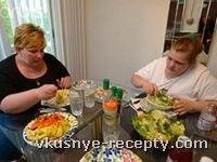 После проведенных исследований, в которых приняли участие 33 экономически развитых страны, стало известно, что самой полной нацией считается население США. 72 миллиона американцев страдают от ожирения. После США идут такие страны, как Австралия и Вел...
