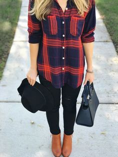 What a cute top! This would be adorable for date night. #casualfalloutfits