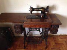 Maquina de Costura Antiga - 19968164 | enjoei :p