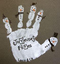 main empreinte bonhomme de neige pour souhaiter de joyeuses fêtes autour de vous !