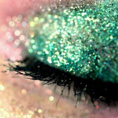 How to Incorporate Green into Your St. Patrick's Day Makeup | Her Campus - These tips will give you a range of options for how to use green in your St. Patty's day makeup. #St_Patrick's_Day #makeup