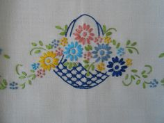 Embroidered Linen Tea Guest Towel Floral Basket Embroidery Cards, Hand Embroidery Flowers, Hand Embroidery Stitches, Modern Embroidery, Vintage Embroidery, Ribbon Embroidery, Floral Embroidery, Embroidery Patterns, Bordado Floral