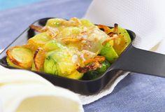 Raclette mit Rosenkohl | Zeit: 20 Min. | http://eatsmarter.de/rezepte/raclette-mit-rosenkohl