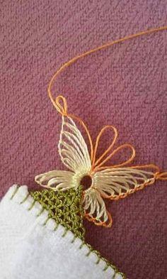İğne oyası salon takımı fiyatları - Reign Tutorial and Ideas Knitted Poncho, Knitted Shawls, Crochet Stitches, Knit Crochet, Hairpin Lace, Diy Shops, Knit Shoes, Needle Lace, Lace Flowers