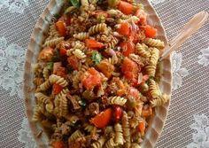 Καλοκαιρινή τονοσαλάτα με βίδες και dressing Pasta Salad, Salads, Ethnic Recipes, Food, Dip, Crab Pasta Salad, Salsa, Dips, Meals