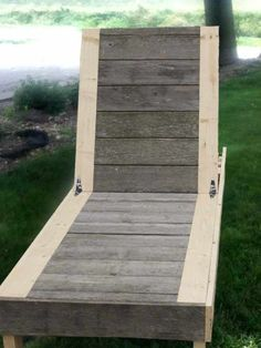 Reader Showcase // Two Toned Chaise Lounge for FFA Fair DIY Outdoor Kreg Jig Project Plans from Wood using Pocket Hole Screws Diy Outdoor Furniture, Diy Pallet Furniture, Woodworking Furniture, Outdoor Rooms, Woodworking Plans, Woodworking Projects, Wood Furniture, Furniture Ideas, Outdoor Living