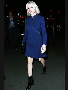 Star Tracks: Thursday, March 12, 2015 | MIDNIGHT IN PARIS | Michelle Williams takes advantage of warmer weather and wears a chic navy dress while walking to a Louis Vuitton dinner in Paris on Wednesday.