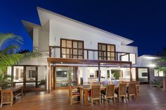 What Process Is Involved In Maintenance Of Deck In Brisbane?