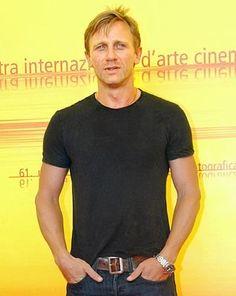 Daniel Craig as Jacen Daniel Craig James Bond, Daniel Craig Young, Daniel Craig Style, New James Bond, Rachel Weisz, Daniel Graig, Favorite Movie Quotes, Album, Male Body