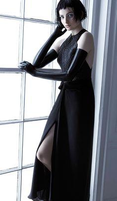 Parisan Mademoiselle by Carla Zampatti. Runway Fashion, High Fashion, Women's Fashion, Elegant Style Women, Carla Zampatti, Womens Fashion Stores, Pretty Black, Fashion Updates, Signature Style