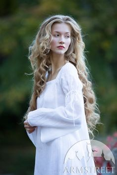 """Linen chemise with square neckline """"Renaissance Memories"""" for sale. Available in: white fine flax linen, natural fine flax linen :: by medieval store ArmStreet Medieval Fashion, Medieval Clothing, Renaissance, Realistic Costumes, Megan Hess, Square Necklines, Her Hair, Beauty Women, Character Inspiration"""