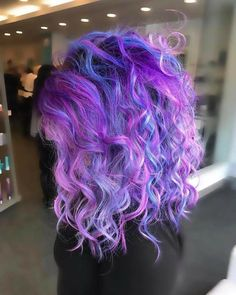 That volume - Haare - Hair Color Cute Hair Colors, Pretty Hair Color, Beautiful Hair Color, Mermaid Hair, Rainbow Hair, Crazy Hair, Purple Hair, Pretty Hairstyles, Dyed Hair