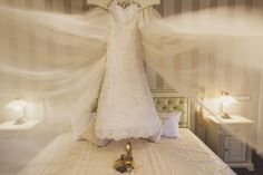Beautiful bride gown!