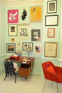 home office decor. homey home design: Home Tours love nest for future home? Inspiration Wand, Interior Inspiration, Design Inspiration, Workspace Inspiration, Interior Ideas, Modern Interior, Hanging Pictures, Random Pictures, Office Pictures