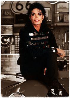 Michael Jackson 1981 - 1990 / Black and Silver Outfit Janet Jackson, Art Michael Jackson, The Jackson Five, Michael Jackson Wallpaper, Jackson Family, Elvis Presley, Lisa Marie Presley, Paris Jackson, Invincible Michael Jackson