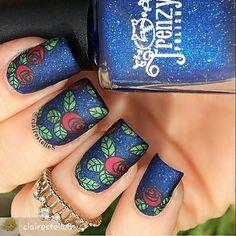 Rose nail art on blue nails Nails Opi, Rose Nails, Polish Nails, Beautiful Nail Designs, Beautiful Nail Art, Fabulous Nails, Gorgeous Nails, Nail Polish Designs, Nail Art Designs