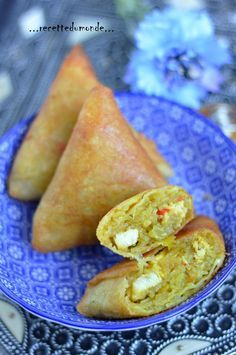 Bonjour les gourmands ! Voici une idée de farce simple à réaliser pour vos feuilles de bricks ! Ingrédients pour 20 briwates ; . 10 feuilles de bricks rondes coupées en deux . 1 poivron rouge . 1 poivron vert . 1 gros oignon haché . 2 gousses d'ail .... Asian Cooking, Cooking Time, No Salt Recipes, Snack Recipes, Tunisian Food, Food Porn, Empanadas, Ramadan Recipes, Finger Food