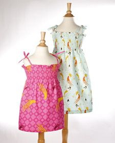 Smocked Sundress pattern on free sewing pattern website Sewing Projects For Kids, Sewing For Kids, Baby Sewing, Sewing Ideas, Sundress Tutorial, Sundress Pattern, Sewing Clothes, Diy Clothes, Dress Sewing