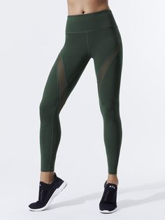 Windsor Tight Leggings in Green by Varley from Designer Leggings, Tight Leggings, Workout Leggings, Green Fashion, High Fashion, Bra Sizes, White Lace, Ready To Wear, Active Wear
