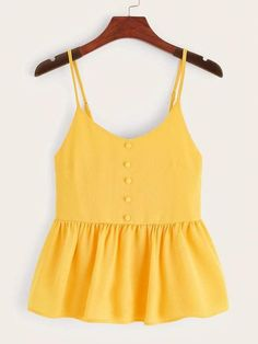 To find out about the Plus Button Shirred Back Ruffle Hem Cami Top at SHEIN, part of our latest Plus Size Tank Tops & Camis ready to shop online today! Oktoberfest Outfit, Cami Tops, Peplum Tops, Fashion News, Fashion Outfits, Fashion Styles, Fashion Fashion, Vintage Fashion, Fashion Design