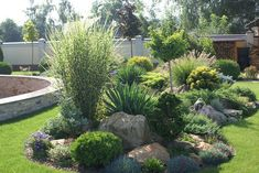 If you were looking for (modern garden design), take a look below Rock Garden Design, Garden Landscape Design, Landscaping With Rocks, Front Yard Landscaping, Landscaping Ideas, Mulch Landscaping, Mulch Ideas, Country Landscaping, Garden Yard Ideas