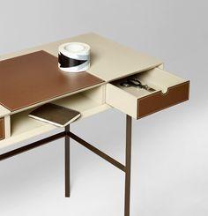 Alivar Chapeau desk