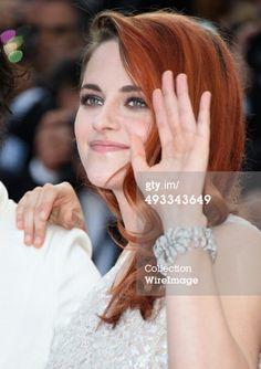"Hollywood News: Kristen Stewart na Premiere de ""Clouds Of Sils Maria"" no Festival de Cannes Kristen Stewart, Juliette Binoche, Jessica Chastain, Blake Lively, Celebrity Couples, Celebrity Style, Celebrity Pictures, Christian Dior, Fashion Models"