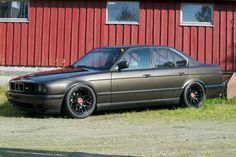 BMW E34 M5 grey