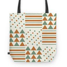 Círculos, linhas e triângulos - I | Desenho/Estampa de @danistarart | A venda na @colab55 | #círculos #linhas #triangulos #geométrico #geometric #verde #laranja #green #orange #bolsa #bag #totebag #sacola #estampa #pattern