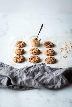 Cookies beurre de cacahuètes & pépites de chocolat - Lilie Bakery Cookies Et Biscuits, Food Photo, Cereal, Breakfast, Desserts, Pains, Cooking, Cake, Photos