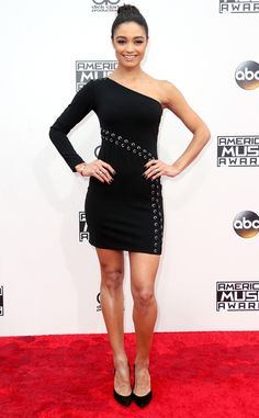 Rachel Smith from 2016 AMAs Red Carpet Arrivals