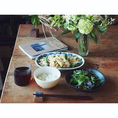 fujifab12 on Instagram pinned by myThings 昨日お仕事1本終わったから 今日は好きなだけ寝ようと思っていたのに  天気良すぎて6:00前に起床☀️ トクマルシューゴのベクトルfeat.明和電機で楽しく朝ごはん作り、ニュース見ながらいただきます  写真を掲載してもらったTHIS IS MY TOKYO読みながらコーヒータイム☕️ 洗濯干し、ゴミ出しまで7:30に終わると気持ちいい… 今日はやることさっさと終わらせて外で遊んでやる!!!!! あそぼーーーーーーう! まずはそれーーからーーーーーー!!music byウルフルズ あそぼう  #朝ごはん#おうちごはん#breakfast#管理栄養士#dietitian#ヘルシー#healthy#food#foodpic#feedfeed#とりあえず野菜食#野菜大好き#vegitable#THISISMYTOKYO