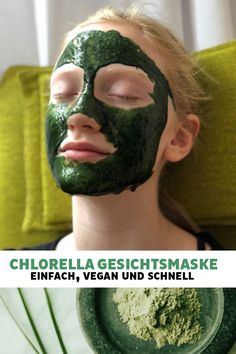 Die Chlorella Gesichtsmaske macht die Haut geschmeidig und gesund, dank dem HELGA Chlorella Algenpulver! Superfood, Kefir Recipes, Vegan, Smoothie Recipes, Healthy Snacks, Numbers, Cucumber, Top, Face Peel Mask